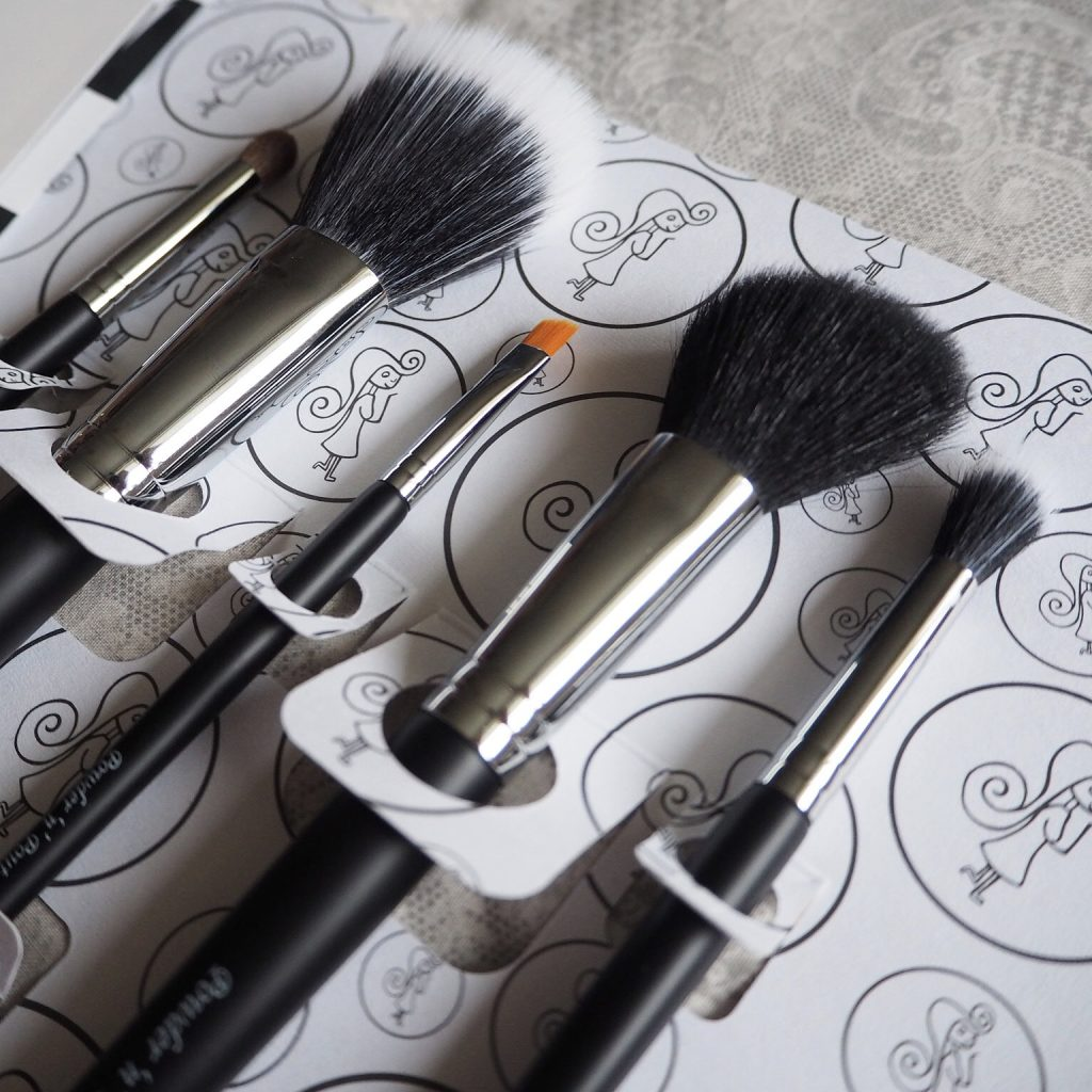 make up brush packaging
